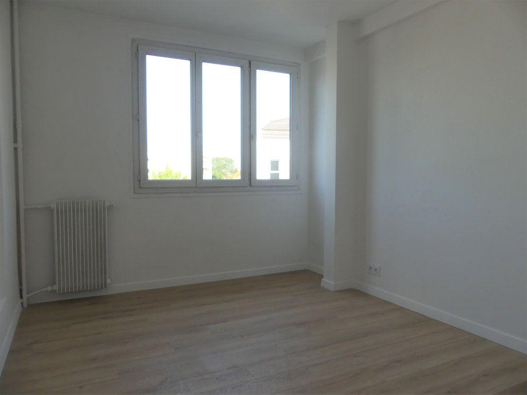 Appartement à vendre 4 71.52m2 à Créteil vignette-8