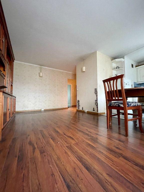 Appartement à vendre 4 64.45m2 à Nogent-sur-Marne vignette-2