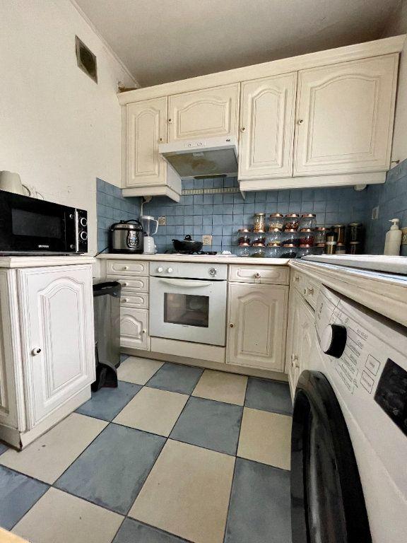 Appartement à vendre 4 64.45m2 à Nogent-sur-Marne vignette-3