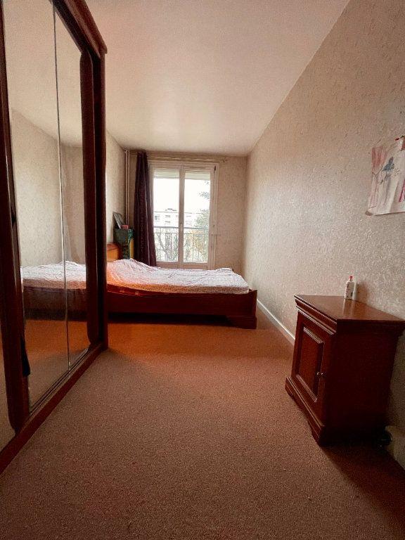 Appartement à vendre 4 64.45m2 à Nogent-sur-Marne vignette-4