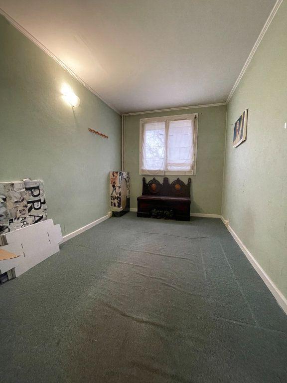 Appartement à vendre 4 64.45m2 à Nogent-sur-Marne vignette-5