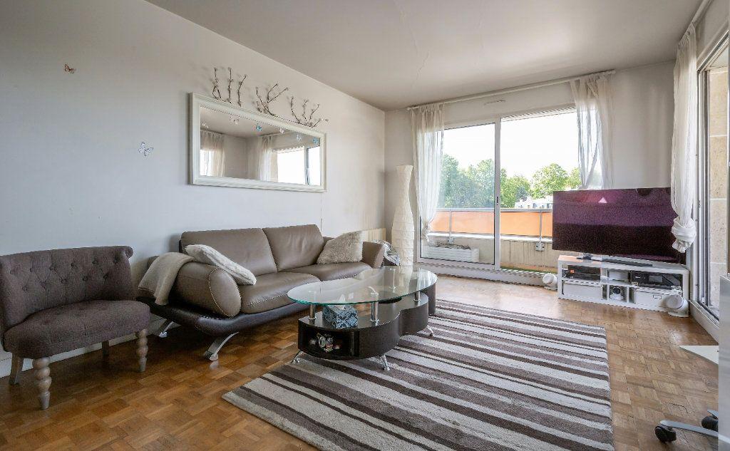 Appartement à vendre 3 61m2 à Fontenay-sous-Bois vignette-2