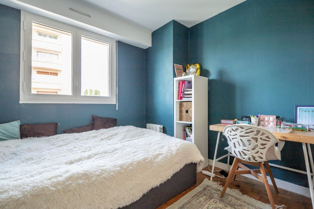 Appartement à vendre 3 61m2 à Fontenay-sous-Bois vignette-4
