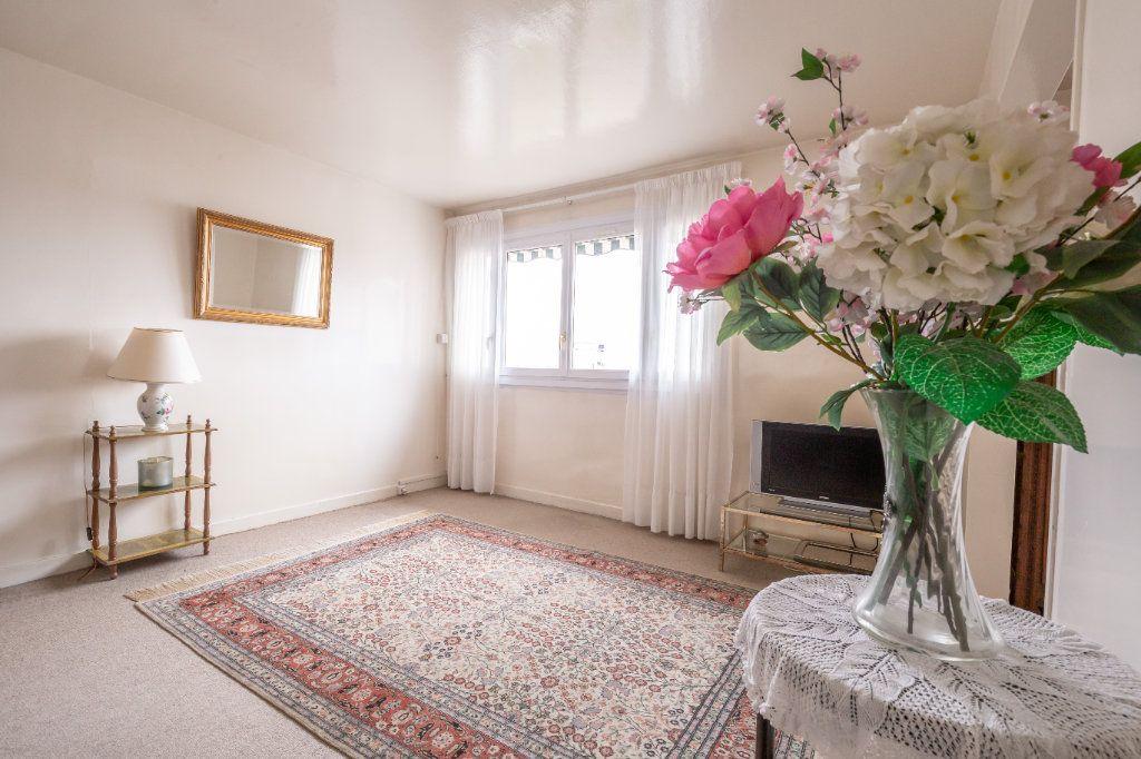 Appartement à vendre 5 94.77m2 à Nogent-sur-Marne vignette-1