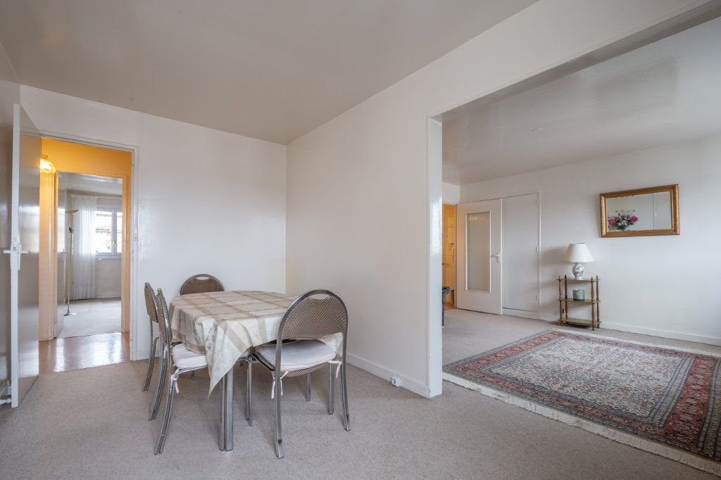 Appartement à vendre 5 94.77m2 à Nogent-sur-Marne vignette-3