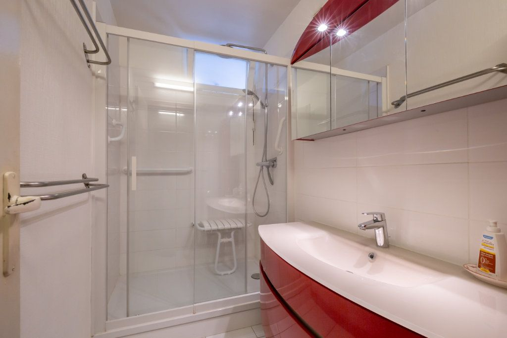Appartement à vendre 5 94.77m2 à Nogent-sur-Marne vignette-5