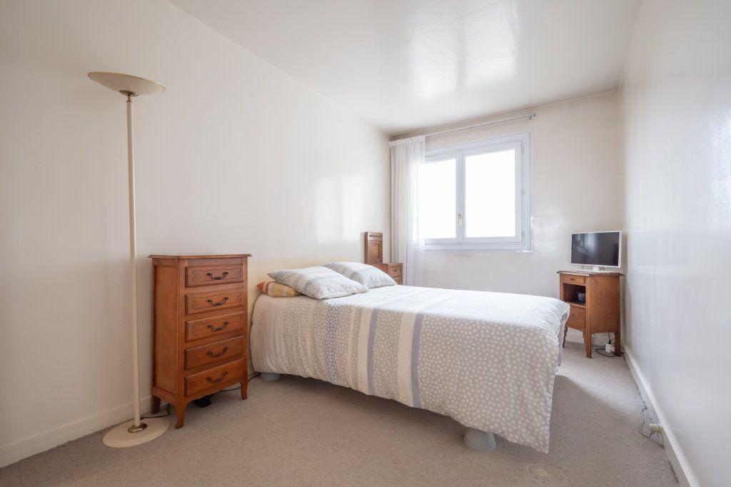 Appartement à vendre 5 94.77m2 à Nogent-sur-Marne vignette-6