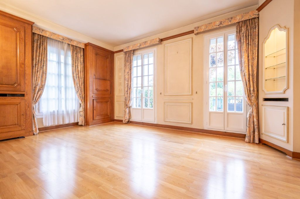Maison à vendre 5 126m2 à Nogent-sur-Marne vignette-2
