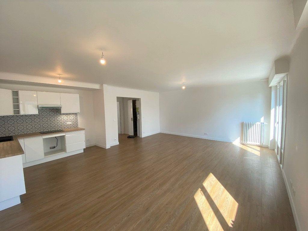Appartement à vendre 5 104.09m2 à Nogent-sur-Marne vignette-1