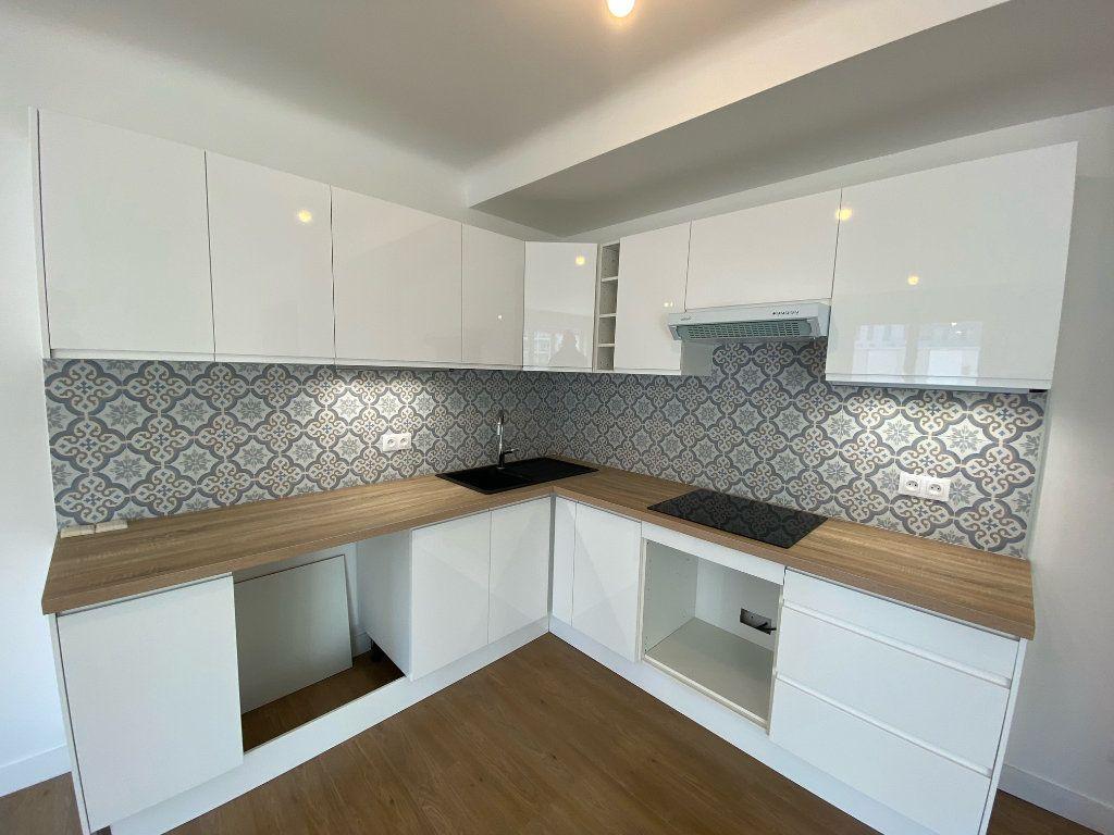 Appartement à vendre 5 104.09m2 à Nogent-sur-Marne vignette-2