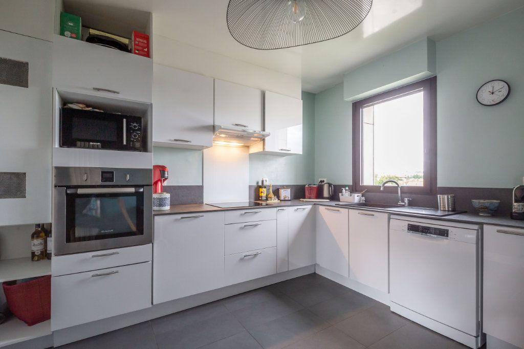 Appartement à vendre 5 110.11m2 à Le Perreux-sur-Marne vignette-3