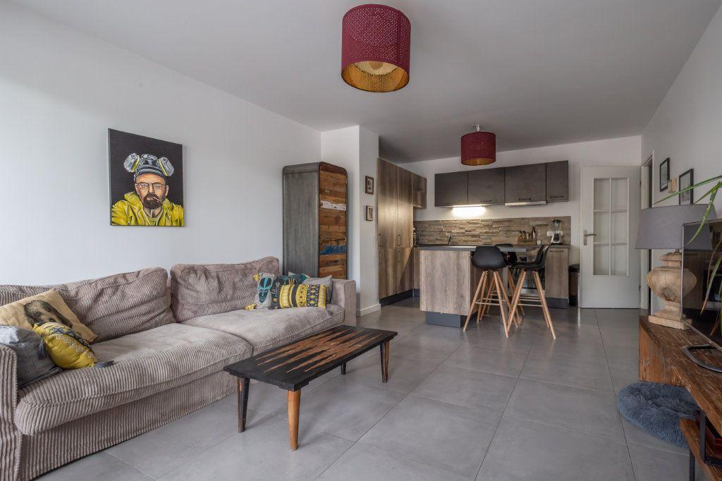 Appartement à vendre 3 60.35m2 à Le Perreux-sur-Marne vignette-2