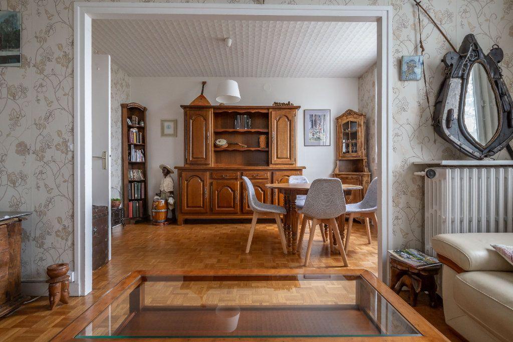 Appartement à vendre 3 69.8m2 à Le Perreux-sur-Marne vignette-2