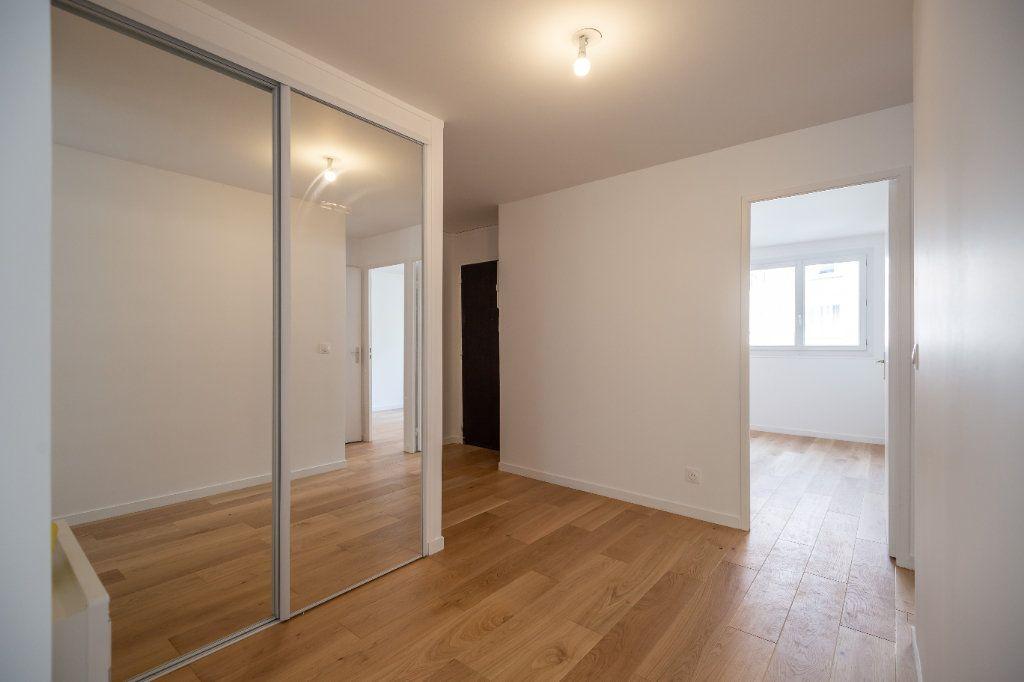 Appartement à vendre 3 68m2 à Nogent-sur-Marne vignette-2