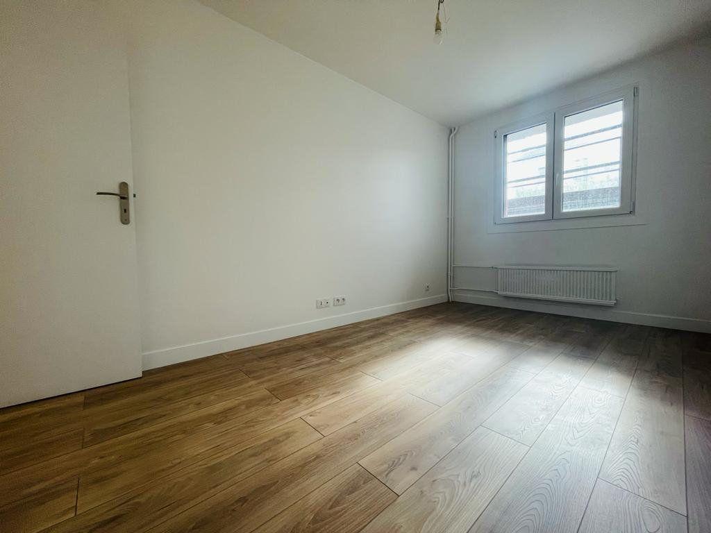 Appartement à vendre 5 95.54m2 à Le Perreux-sur-Marne vignette-3