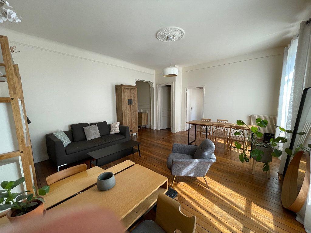 Appartement à louer 3 79.94m2 à Nogent-sur-Marne vignette-3