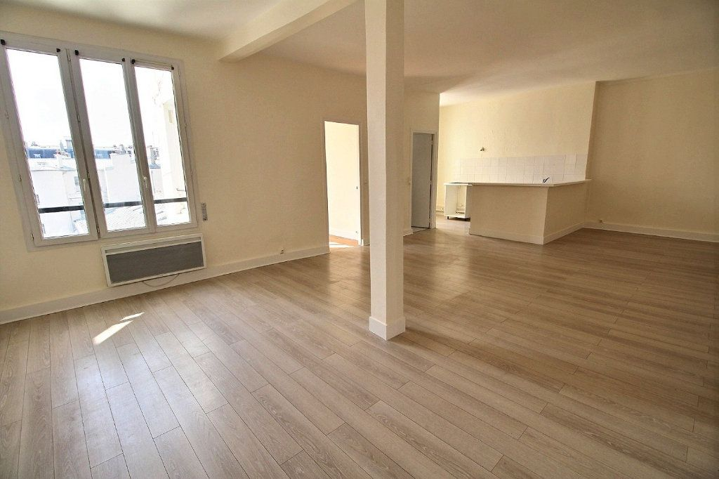Appartement à louer 4 88m2 à Paris 11 vignette-1