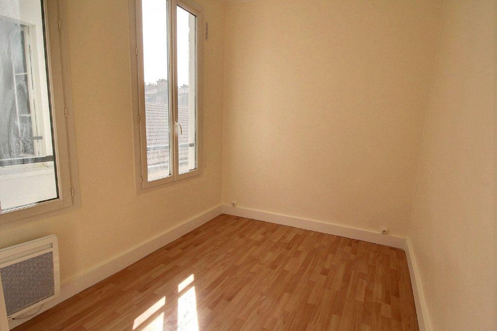 Appartement à louer 4 88m2 à Paris 11 vignette-5