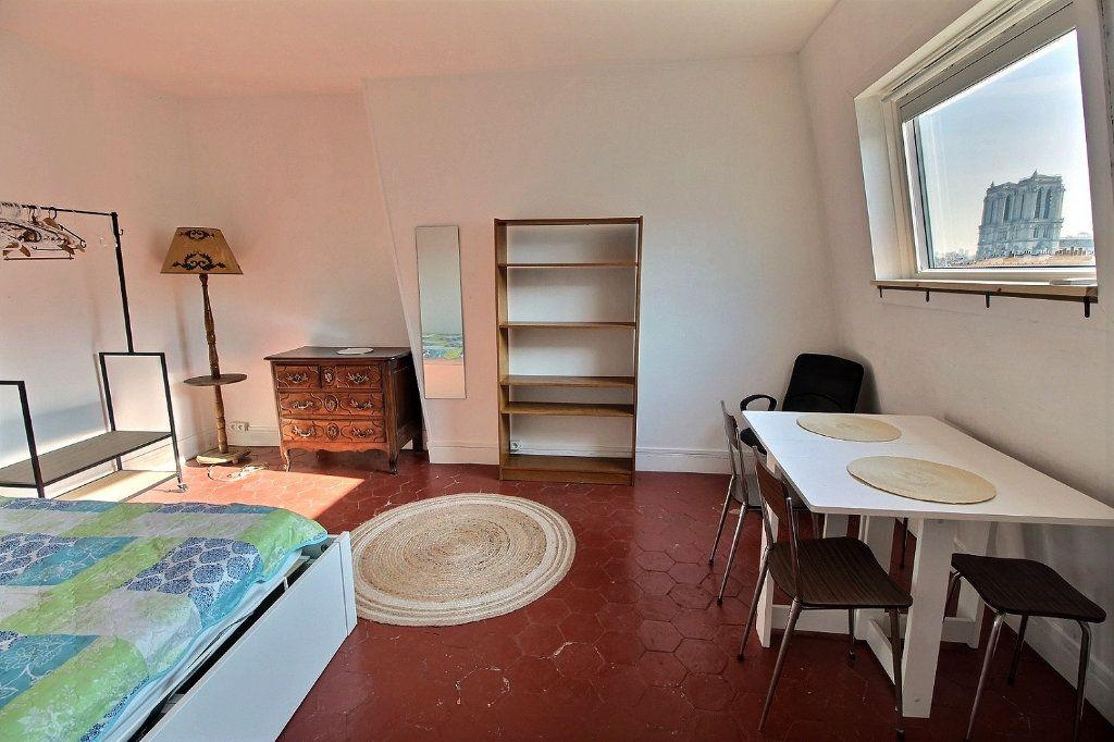 Appartement à louer 1 22.35m2 à Paris 5 vignette-1