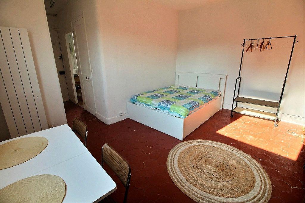 Appartement à louer 1 22.35m2 à Paris 5 vignette-2