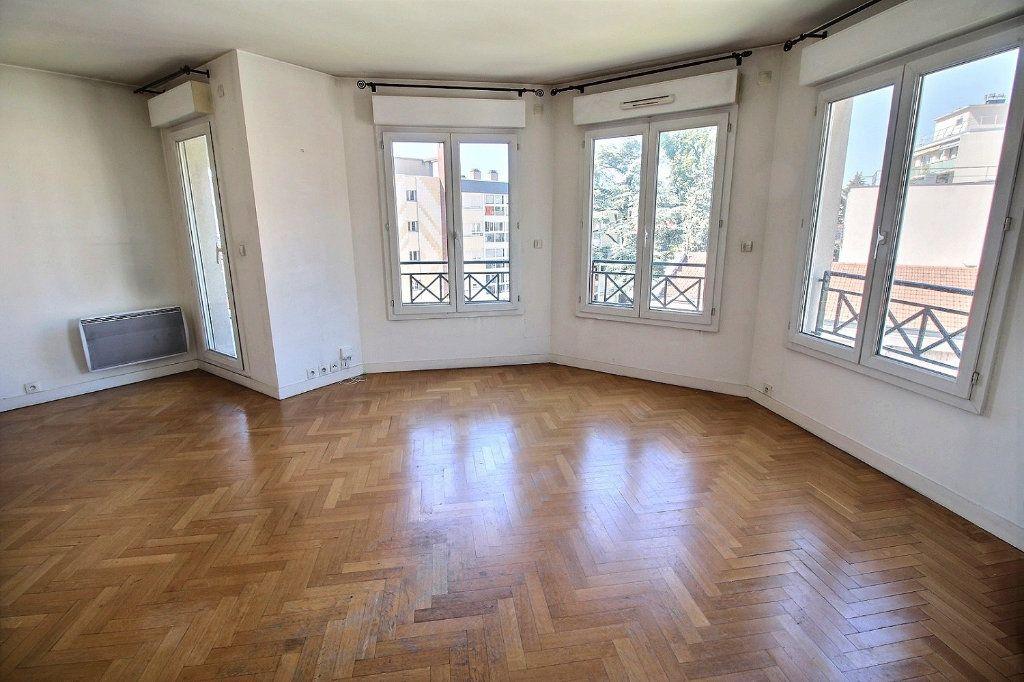 Appartement à louer 2 55m2 à Nogent-sur-Marne vignette-2