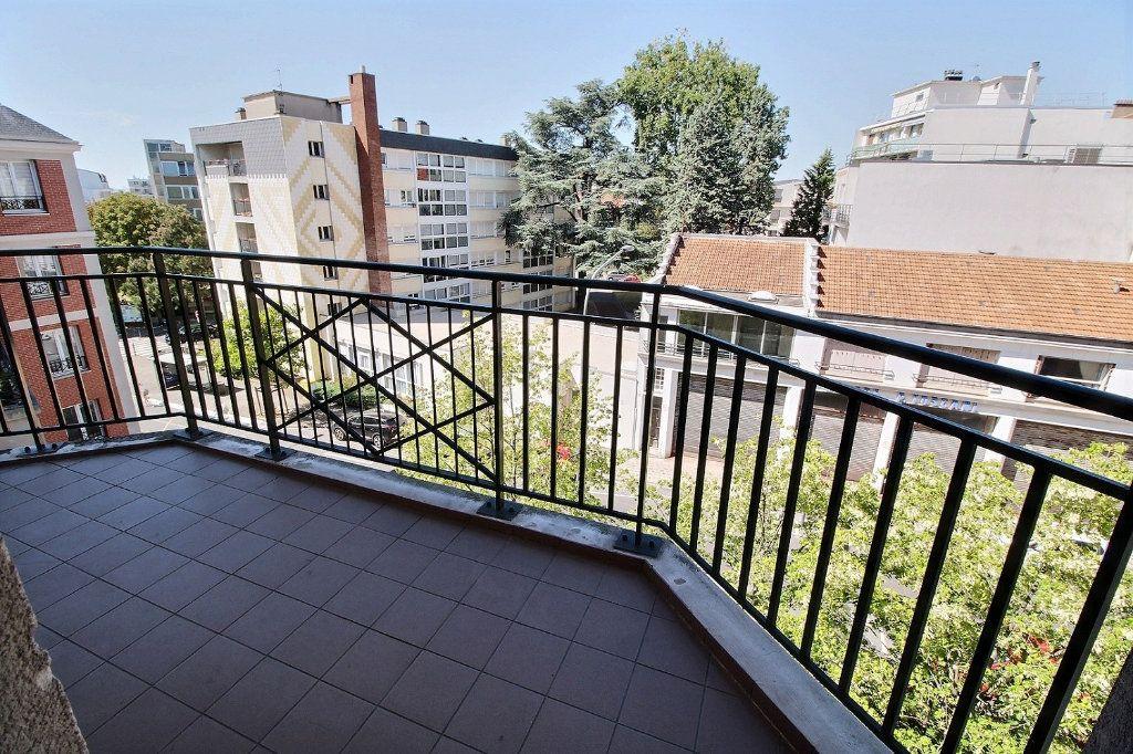 Appartement à louer 2 55m2 à Nogent-sur-Marne vignette-4