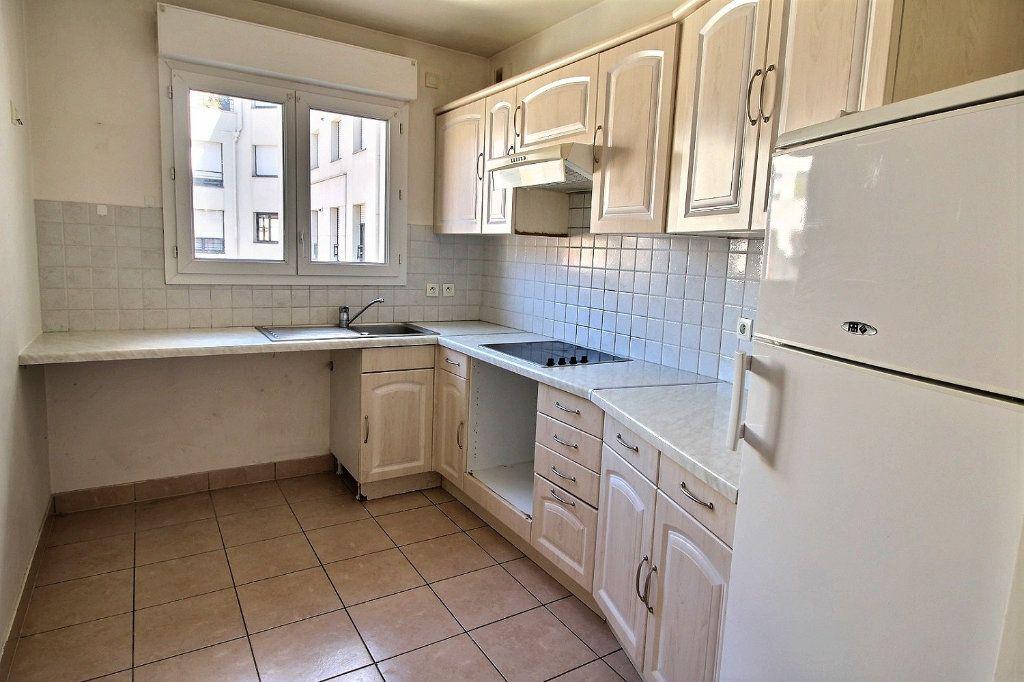 Appartement à louer 2 55m2 à Nogent-sur-Marne vignette-5