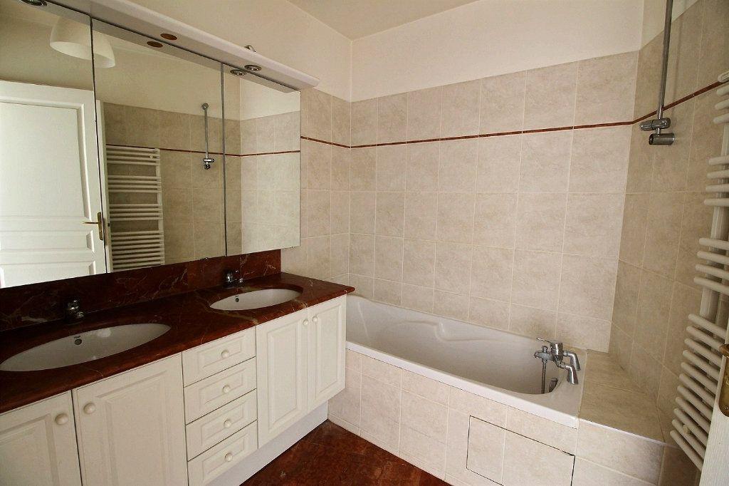 Appartement à louer 2 55m2 à Nogent-sur-Marne vignette-6