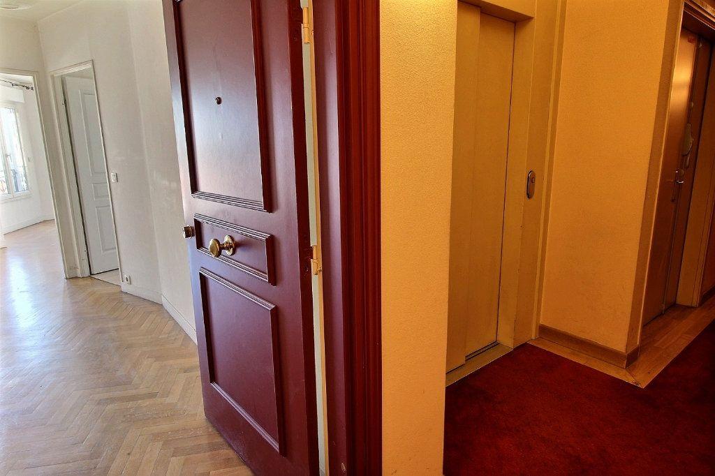 Appartement à louer 2 55m2 à Nogent-sur-Marne vignette-7