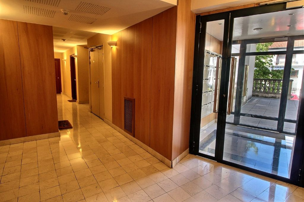 Appartement à louer 2 55m2 à Nogent-sur-Marne vignette-8