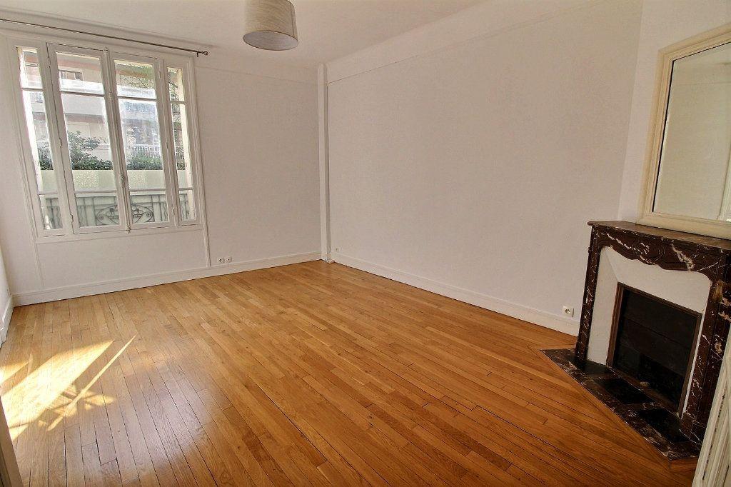 Appartement à louer 3 63m2 à Vincennes vignette-1