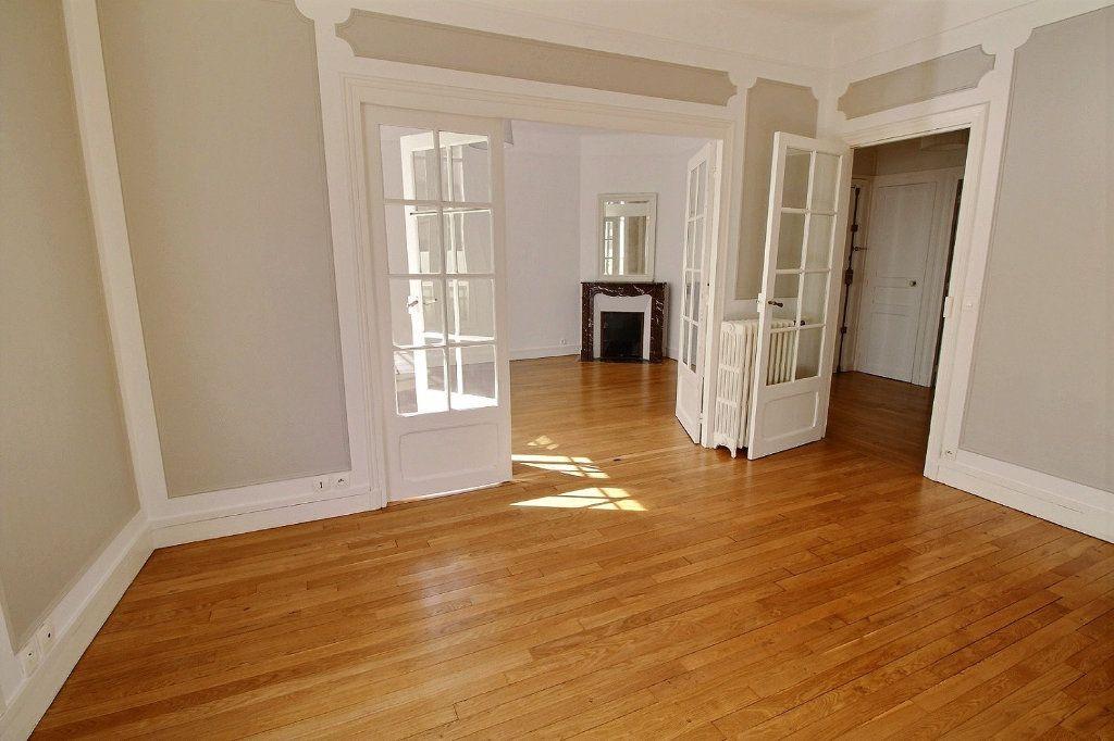 Appartement à louer 3 63m2 à Vincennes vignette-4