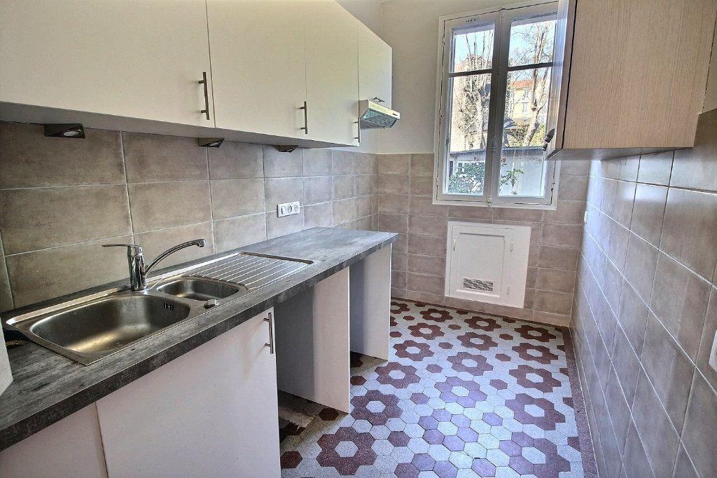 Appartement à louer 3 63m2 à Vincennes vignette-6