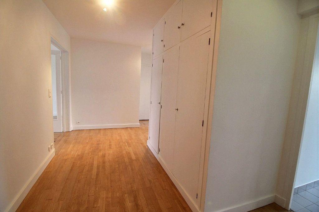 Appartement à louer 3 78.32m2 à Vincennes vignette-6