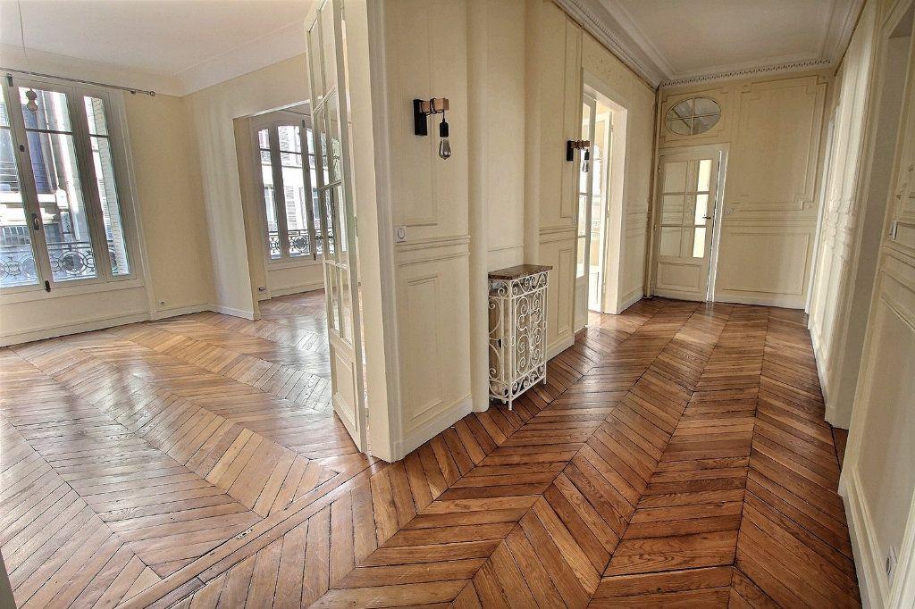 Appartement à louer 5 136.4m2 à Paris 12 vignette-2