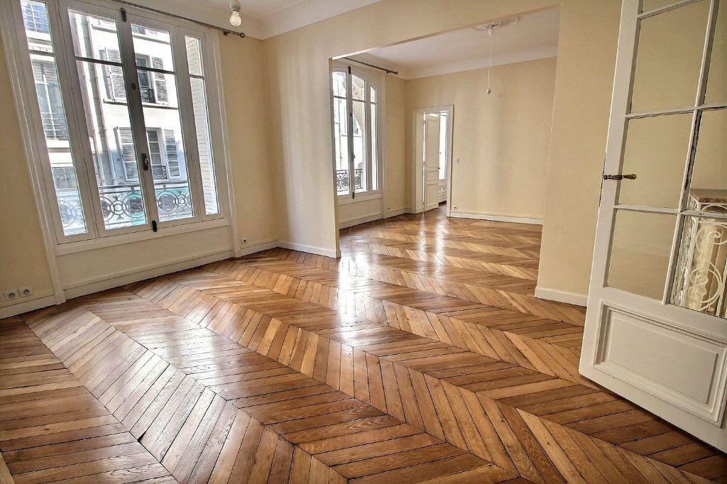 Appartement à louer 5 136.4m2 à Paris 12 vignette-3