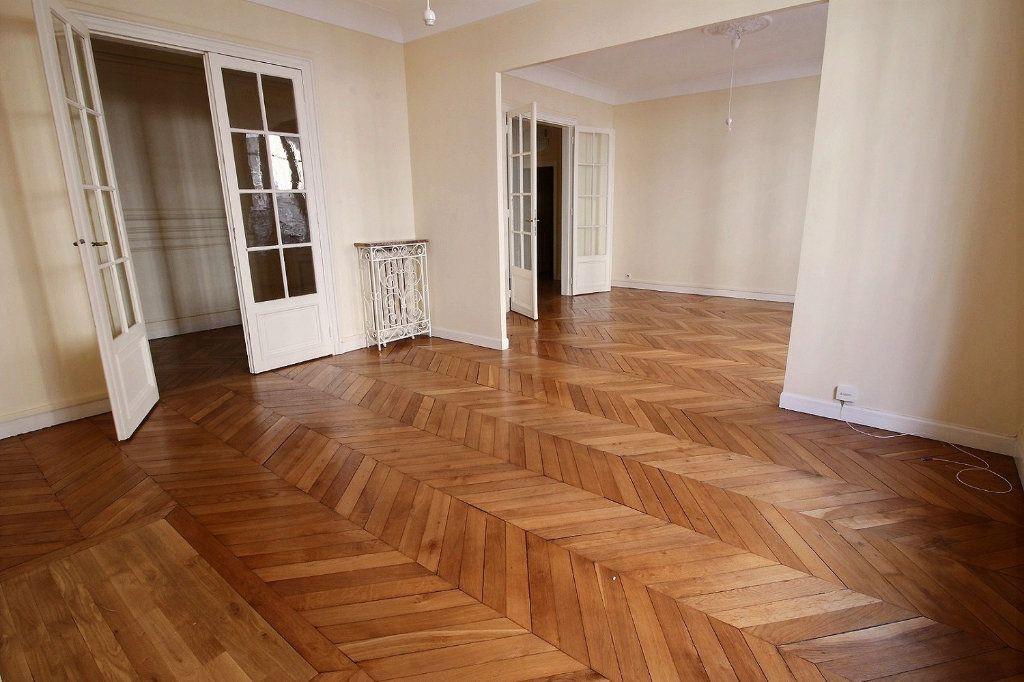 Appartement à louer 5 136.4m2 à Paris 12 vignette-4