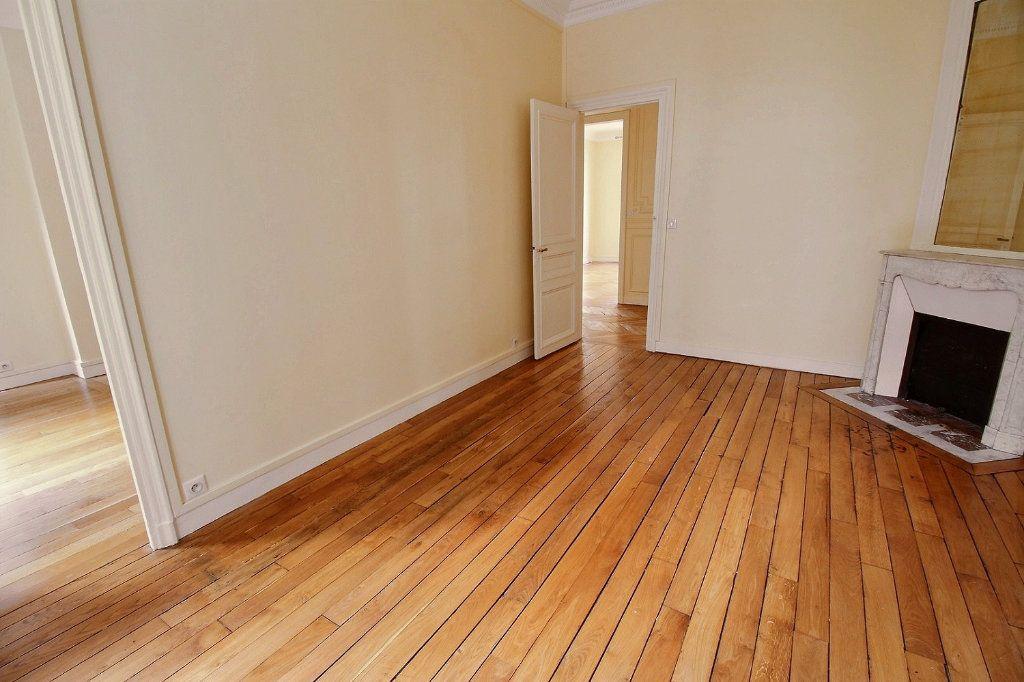 Appartement à louer 5 136.4m2 à Paris 12 vignette-6