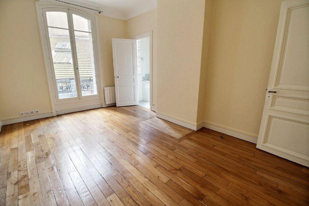 Appartement à louer 5 136.4m2 à Paris 12 vignette-7