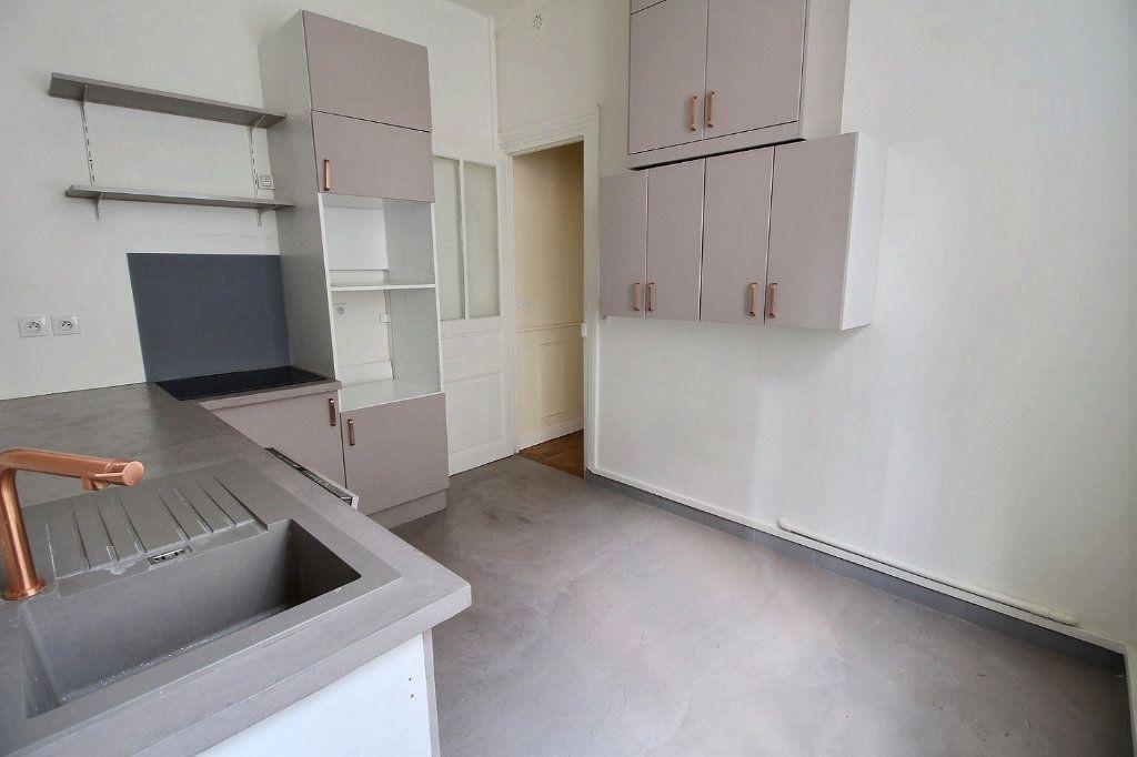 Appartement à louer 5 136.4m2 à Paris 12 vignette-9
