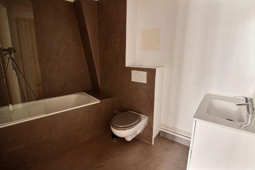 Appartement à louer 5 136.4m2 à Paris 12 vignette-10