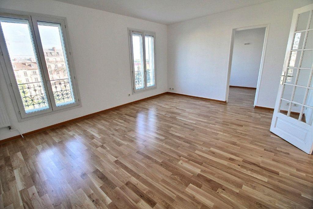 Appartement à louer 4 77.71m2 à Vincennes vignette-2