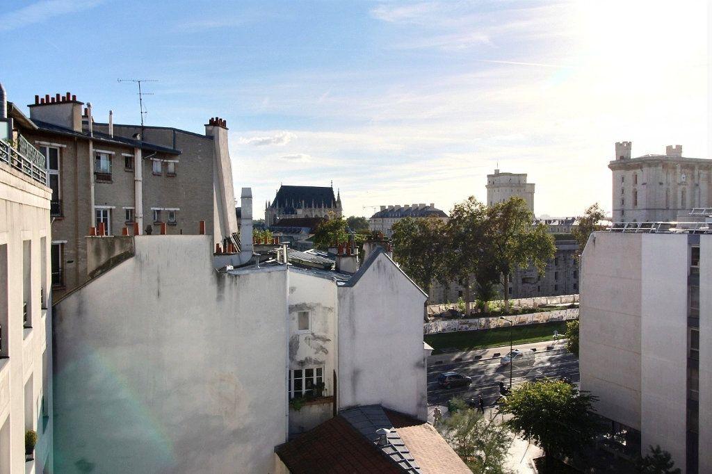 Appartement à louer 4 77.71m2 à Vincennes vignette-4