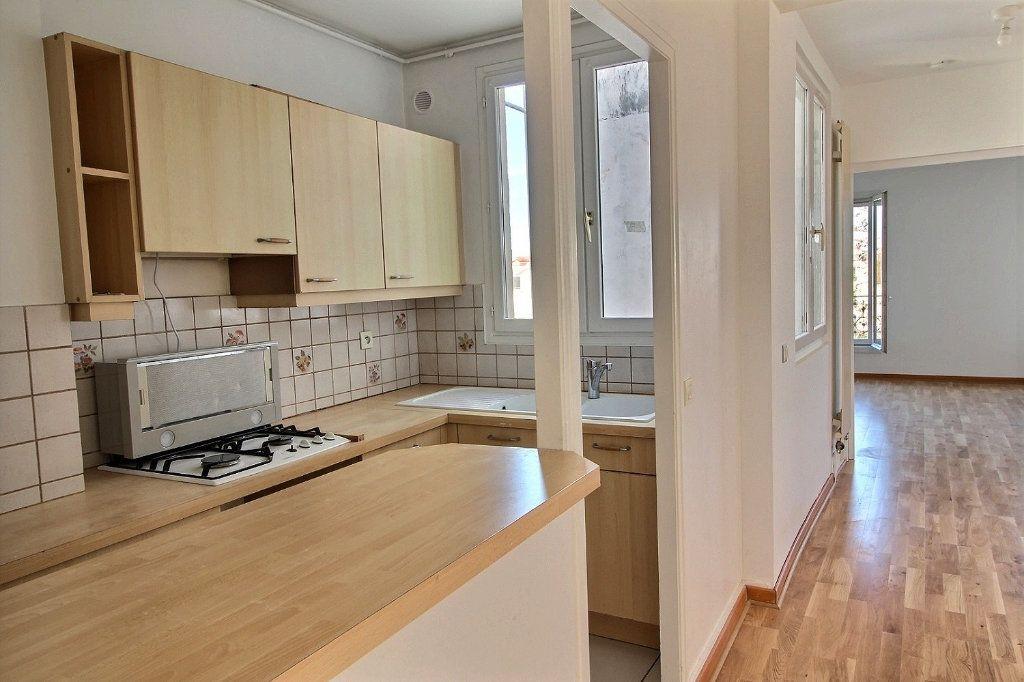 Appartement à louer 4 77.71m2 à Vincennes vignette-7