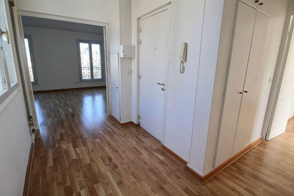 Appartement à louer 4 77.71m2 à Vincennes vignette-9