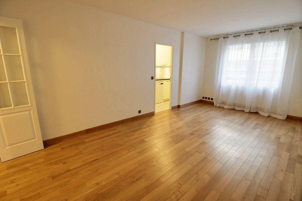 Appartement à louer 2 48m2 à Vincennes vignette-2
