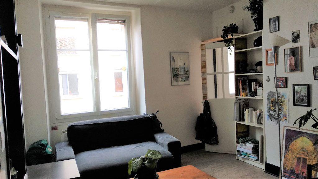 Appartement à vendre 1 23.62m2 à Paris 11 vignette-1