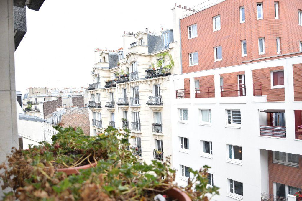 Appartement à vendre 1 38m2 à Paris 18 vignette-3