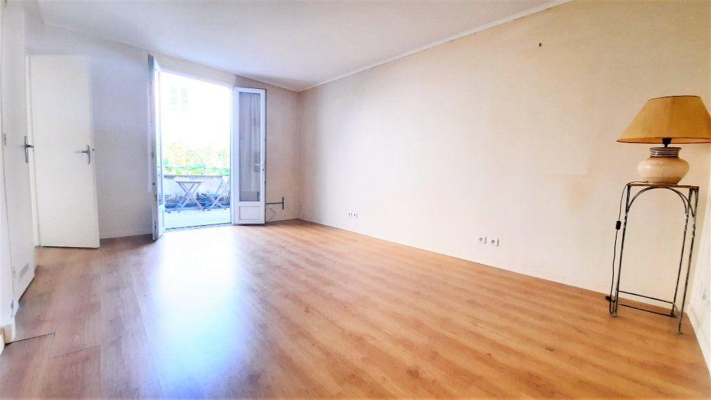 Appartement à vendre 2 45.33m2 à Paris 18 vignette-2