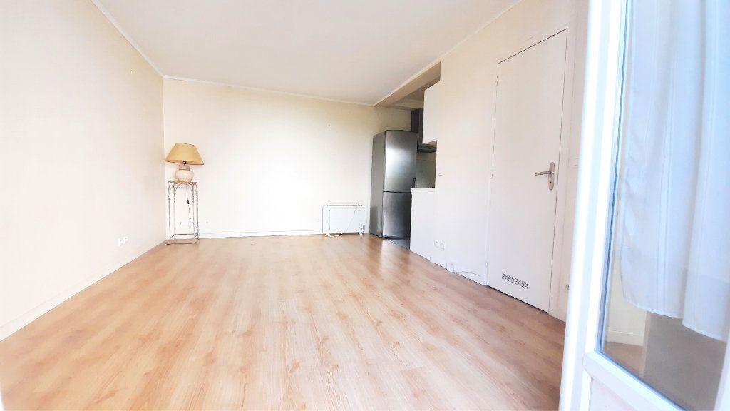 Appartement à vendre 2 45.33m2 à Paris 18 vignette-5